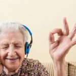 Listening to Music May Ease Cancer Patients' Pain