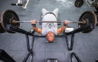 'Cancer isn't allowed in the weight room': Powerlifter powers through prostate cancer