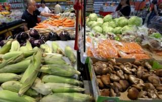Eating fruit, vegetables won't slow prostate cancer, study finds
